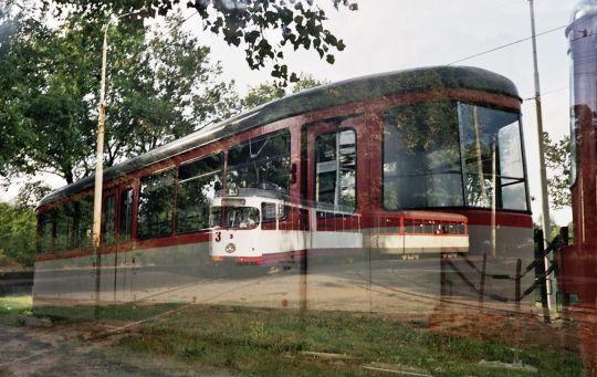 Tramwajowy miraż - GT6 z doczepką wjeżdżający na pętlę Las Arkoński oraz zbliżenie doczepki