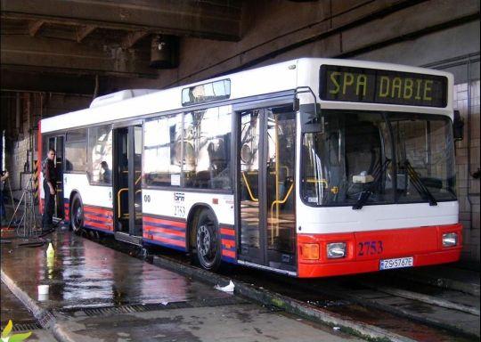 Autobus przed wyjazdem musi być czysty