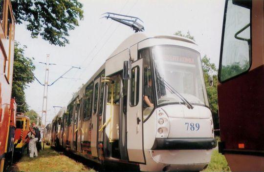 Najnowszy szczeciński tramwaj na wystawie taboru