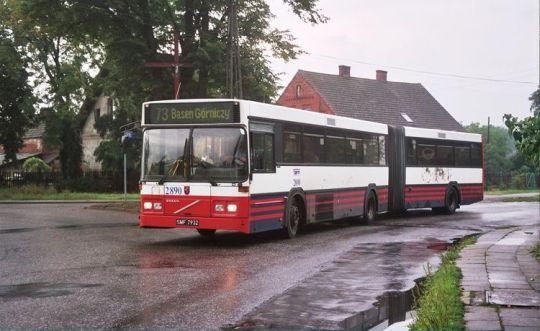 Przegubowe Volvo na historycznej już linii 73