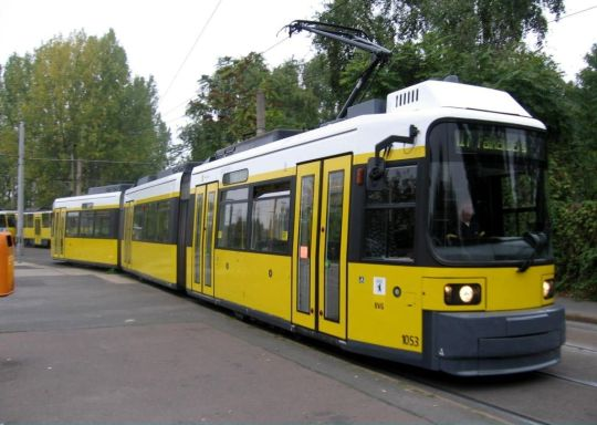 Niskopodłogowy tramwaj typu GT6N