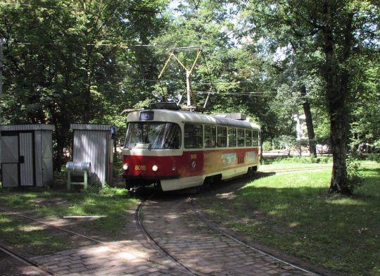 Linia 5 w Pradze w weekendy obsługiwana jest wagonami pojedynczymi