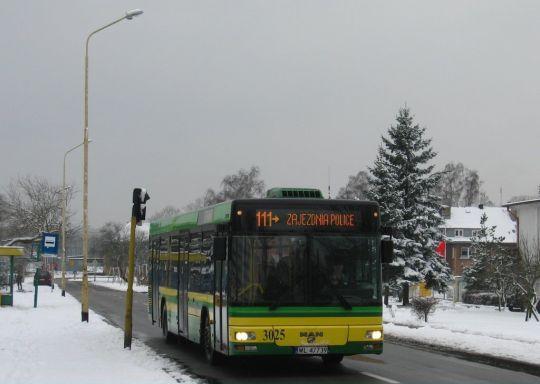 Gdy autobus jest czysty, dobrze się prezentuje w każdych warunkach pogodowych