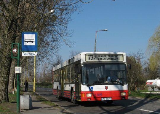 Zamknięcie mostu Cłowego spowodowało, że autobusy linii 73Z i 73D mijały przystanek jadąc w kierunku przeciwnym niż by to wynikało z rozkładu