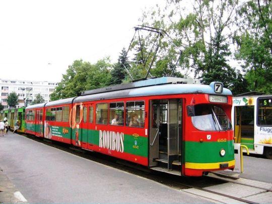Jeden z pierwszych GT8 dostarczonych do Poznania z Düsseldorfu