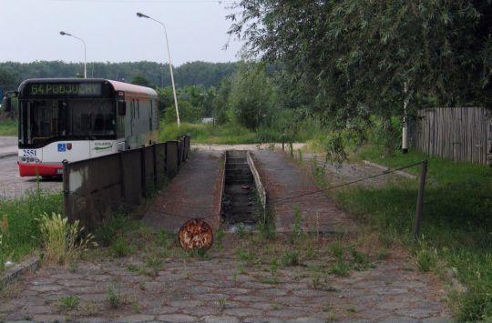 Zapomniany kanał, już dawno bez baraków obok i mechaników w środku...