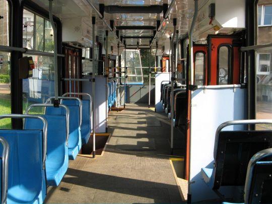 Wnętrze krakowskiego wagonu 111N #3502