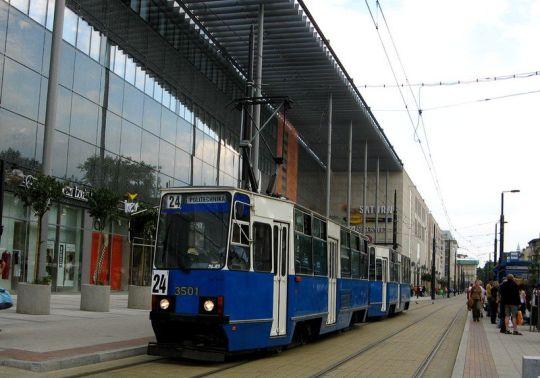 """""""Stojedenastka"""" ze Śląska na linii 24"""