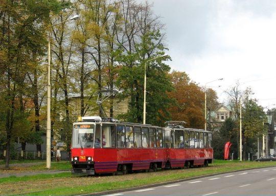 Od dziś na linii 1 oprócz przegubowych wagonów KT4Dt kursują również składy