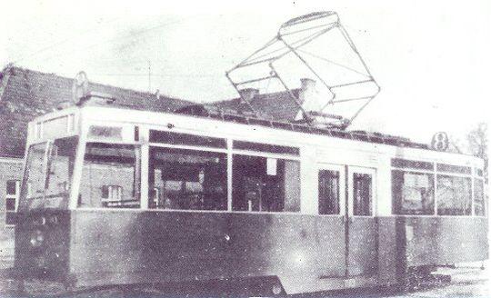 Taki wagon tramwajowy wyjechał jako pierwszy na ulice w powojennym Szczecinie. Jeździły one jeszcze do 1974 roku.