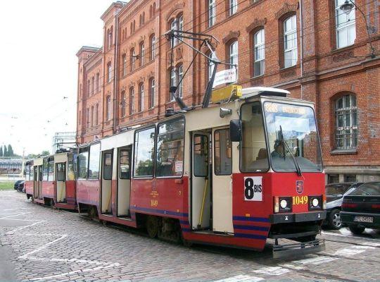 I znowu linia 8 Bis długo nie zagrzała torów na ulicy Dworcowej