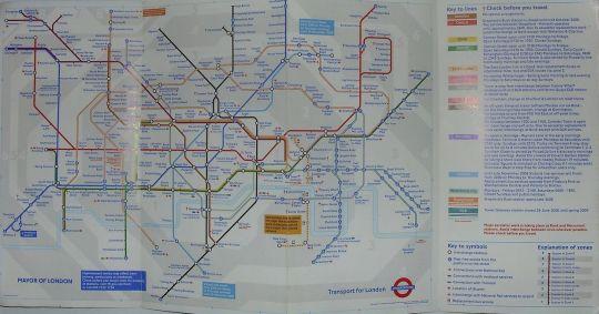 Całe londyńskie metro na ulotce niewielkich rozmiarów