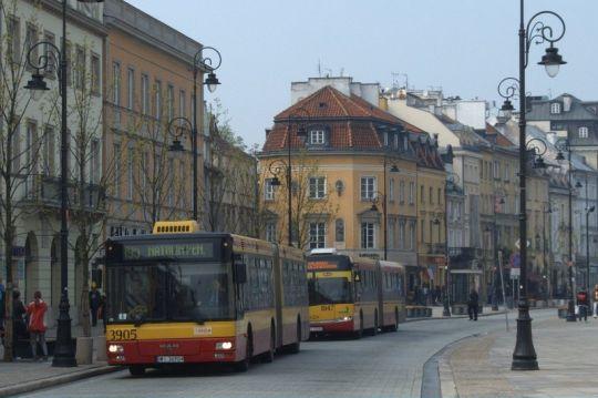 Kolorowe Krakowskie Przedmieście opanowane przez MZA