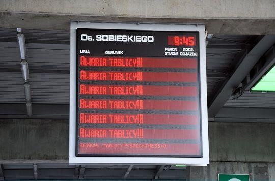 Nowoczesne tablice służące jako rozkład jazdy w Poznaniu są często awaryjne