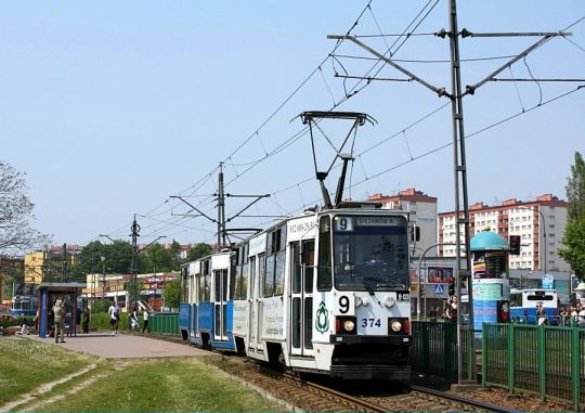 Jedyny krakowski wagon 105Nb #374 na linii 9