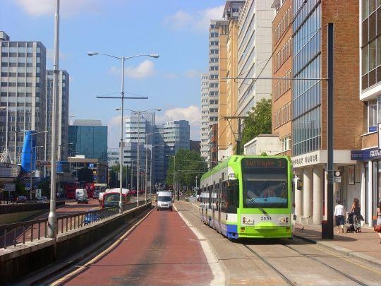 W centrum Croydon tramwaj nie pojedzie zbyt szybko