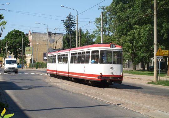 Za dwadzieścia kilka minut tramwaj dotrze do drugiej pętli, która znajduje się na osiedlu Rządz