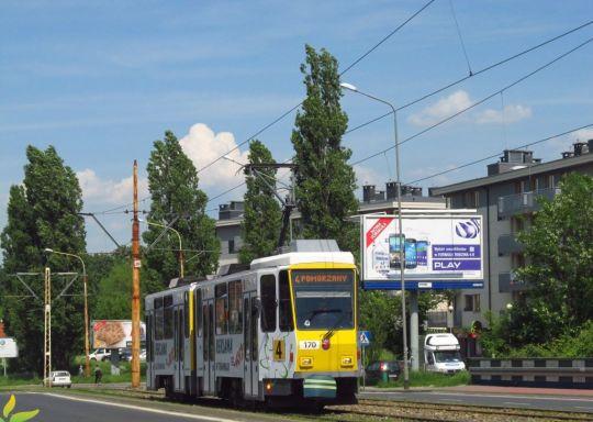 """""""Kanarek"""" reklamuje powierzchnię reklamową na tramwajach"""