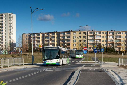 Dzisiaj na prawobrzeżnych trasach pojawiło się dziewięć nowych Solarisów Urbino 12