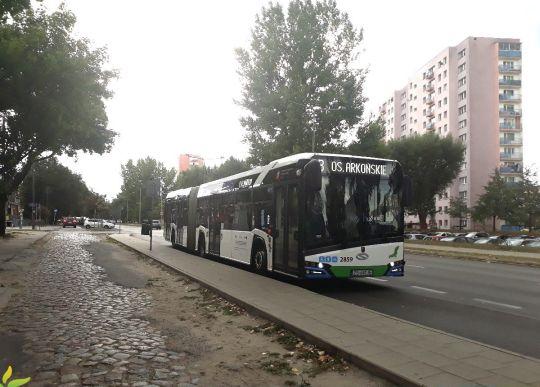 Solaris Urbino 18 #2859 na przystanku Łubinowa
