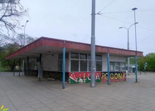 """Dyspozytornia na pętli """"Gocław"""" - do rozbiórki"""