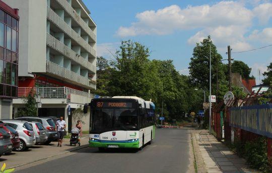 Klonowicki Solaris podczas objazdu spowodowanego pracami na ulicy Orzeszkowej